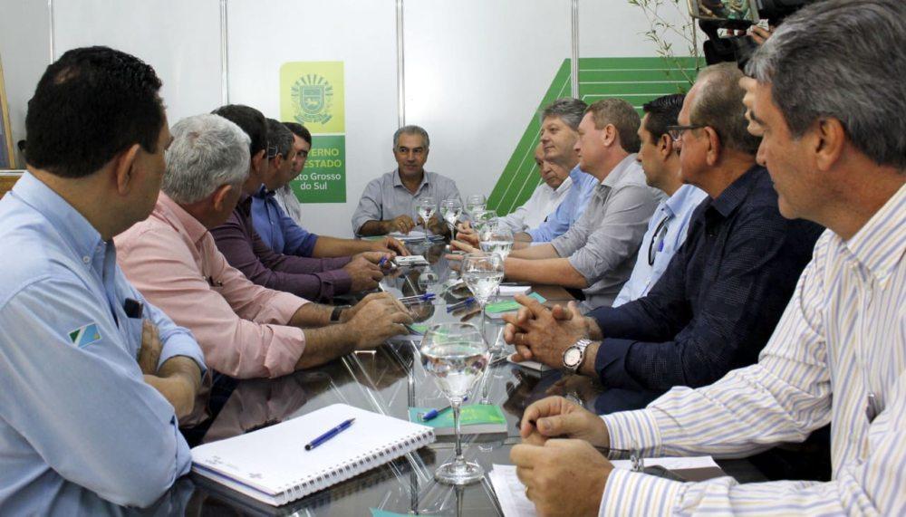 Com o governador, Asumas discute ações para a suinocultura no Estado
