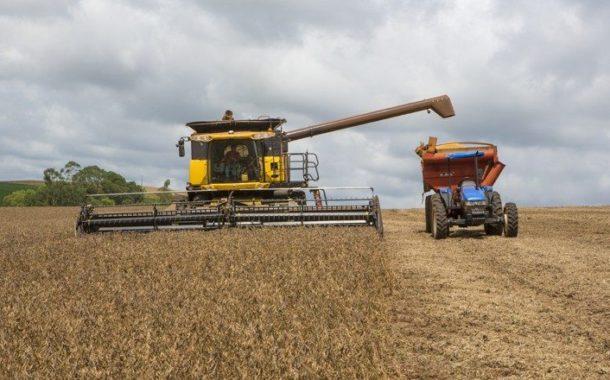 Em etapa final de colheita, saca da soja apresenta alta de 18% nesta safra